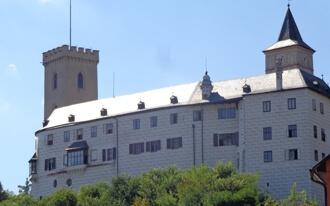 ארמונות בפראג