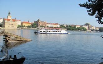 נהר הולטאבה בפראג -  Vltava River in Prague